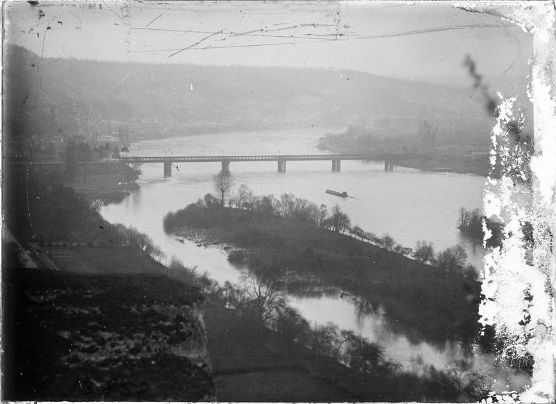 Pont sur la Seine depuis les falaises