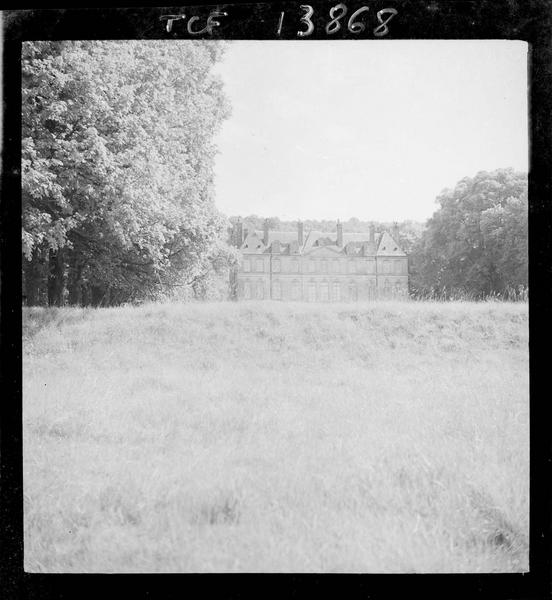 Château d'Yville, façade nord depuis le parc