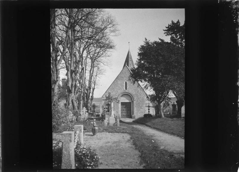 Façade ouest sur cimetière
