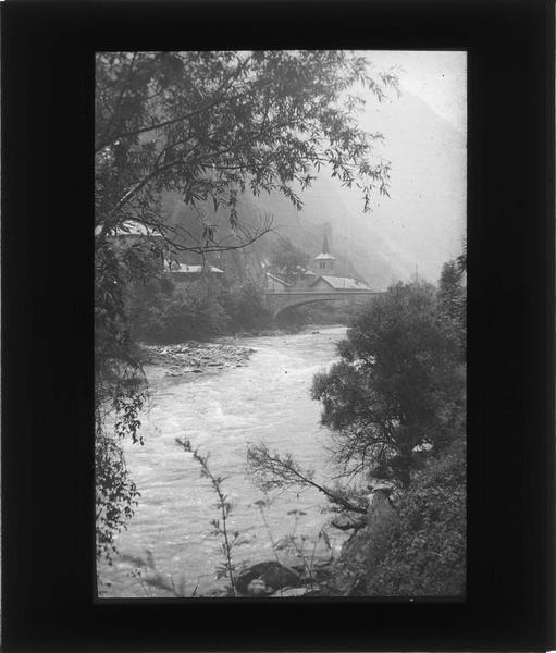 Ensemble depuis les rives de l'Isère