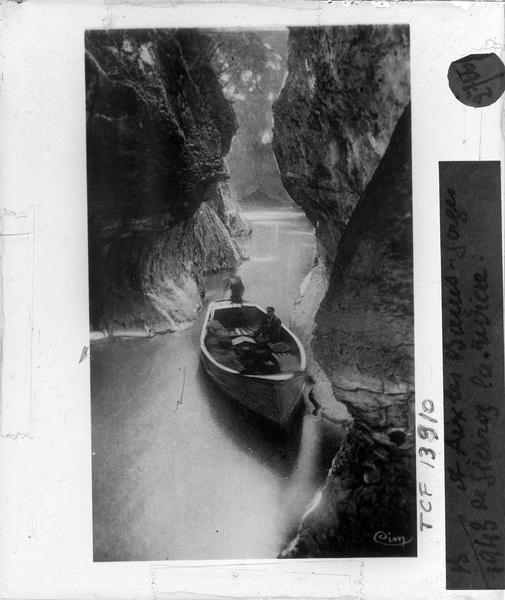 Gorges du Sierroz, vue animée avec barque