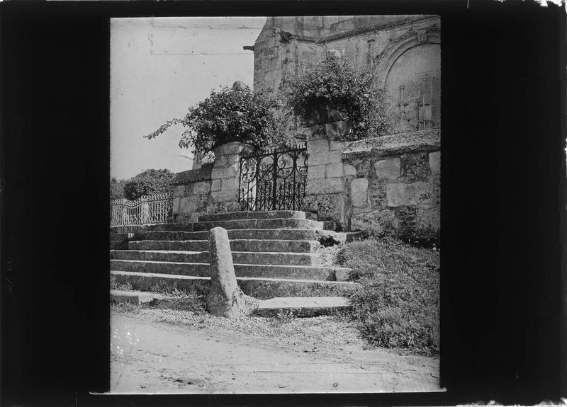 Escalier, côté ouest