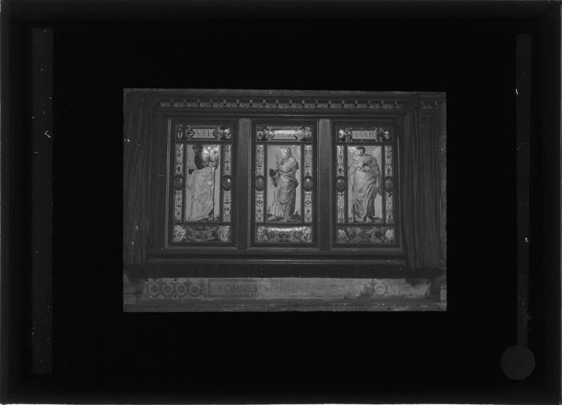 Plaques décoratives émaillées : les douze apôtres, détail