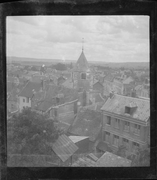 Clocher et toitures, côté ouest depuis le château
