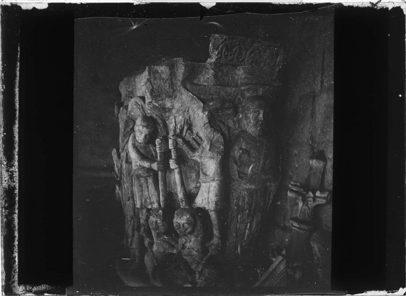 Chapiteau style roman de la Tour Charlemagne, moulage