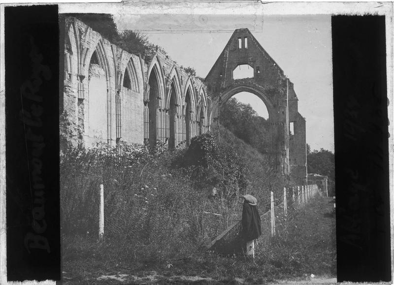 Eglise en ruines, côté ouest
