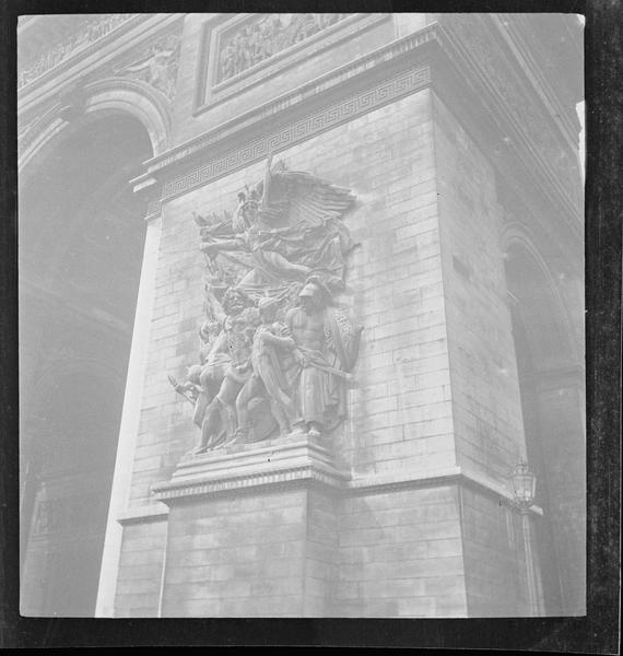 Face est, haut-relief du Départ des volontaires de 1792, dit La Marseillaise