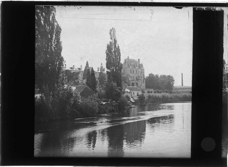 Ensemble sur l'Indre depuis le Pont Gütersloh