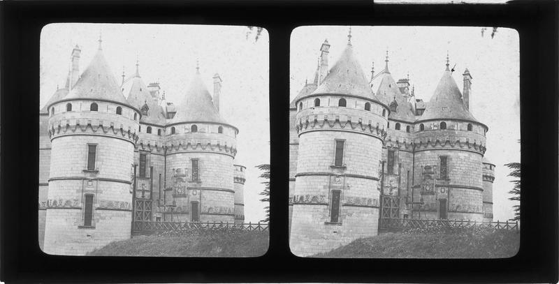 Pont-levis et tours d'entrée, côté sud-est
