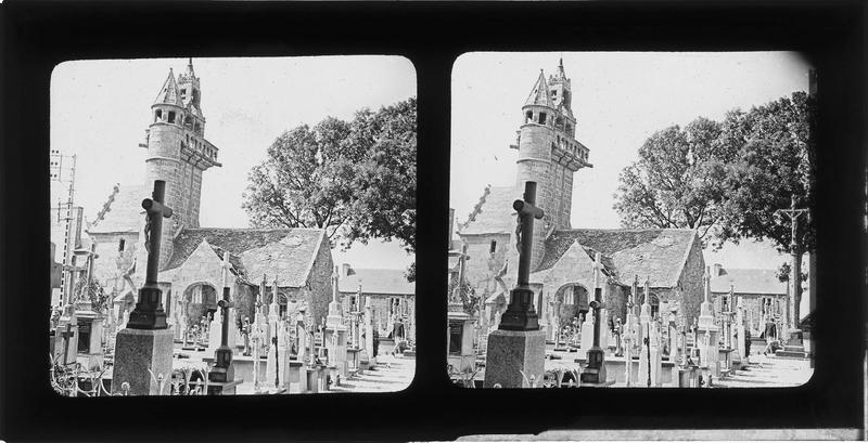 Ensemble sud et cimetière au premier plan