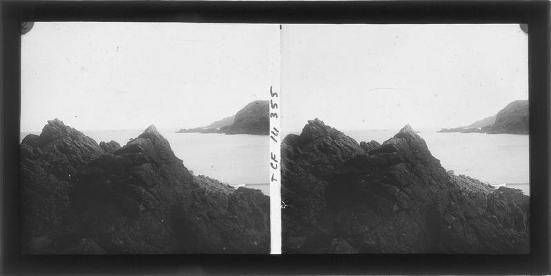 Rochers en bord de mer