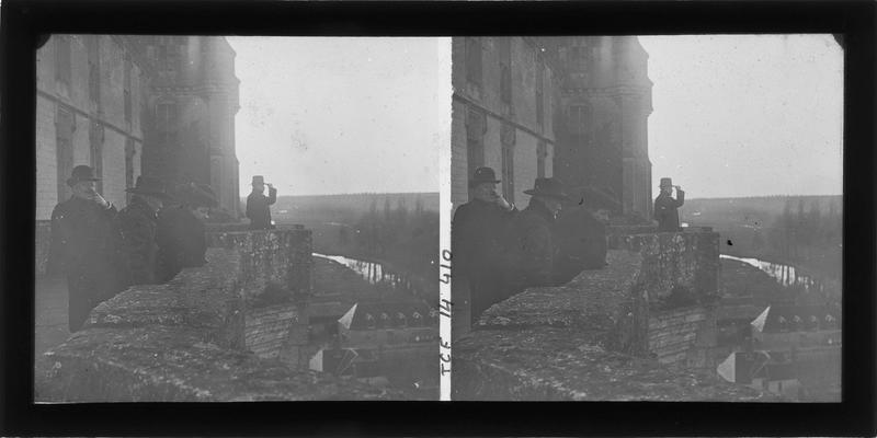 Terrasse nord, vue en perspective et le Loir en contrebas, vue animée