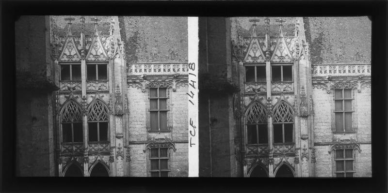 Aile de Longueville, escalier flamboyant sur cour intérieure, partie supérieure