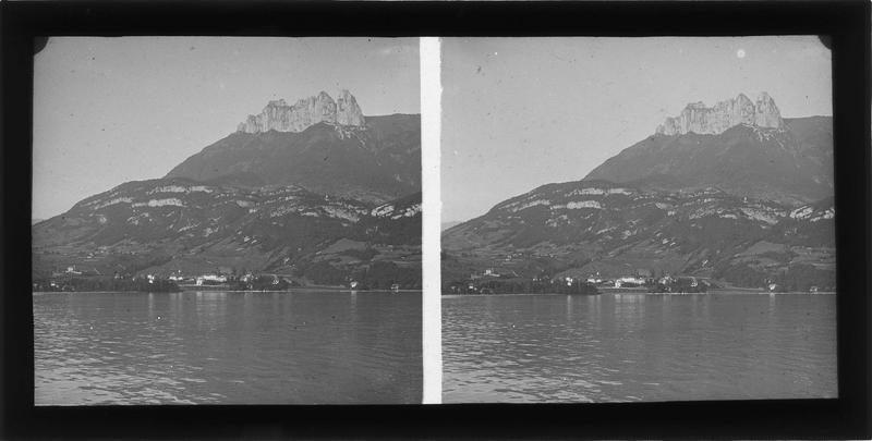 Lac d'Annecy et les Dents de Lanfon en arrière-plan