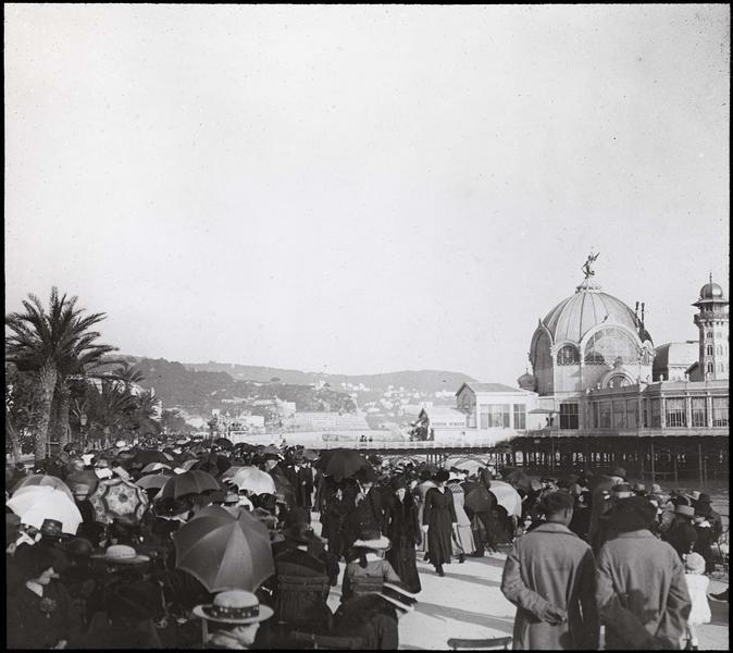 Ensemble sur la digue animée, côté ouest (détruit entre 1943 et 1946)