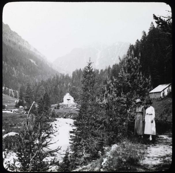 Le Boréon et deux femmes au premier plan