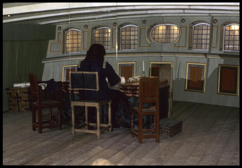 Vue de la reconstitution de la cabine du capitaine sur le château arrière.