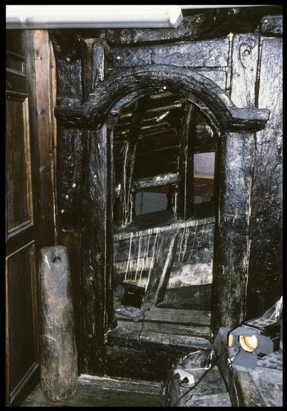 Vue d'une porte à l'intérieur de la carène.