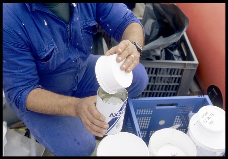 Vue de la préparation du silicone de moulage (fouille S. Ximénès).