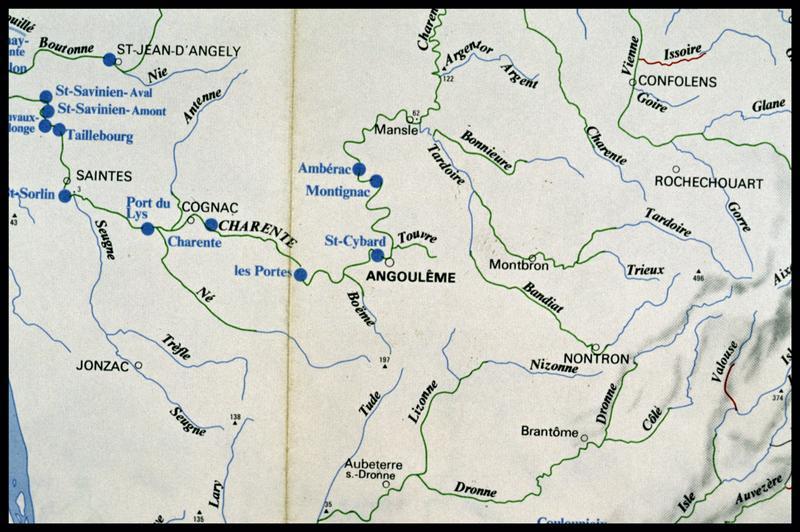 Vue de la carte hydrographique de la région (fouille Y. Billaud/Drassm).