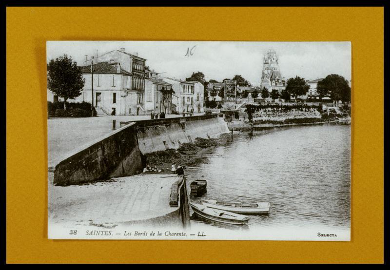 Vue d'une carte postale ancienne des bords de la Charente (fouille E. Rieth).