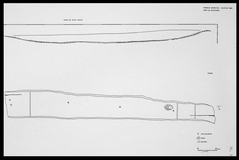 Vue de la coupe et du dessus de la carène de la pirogue monoxyle (fouille E. Rieth).