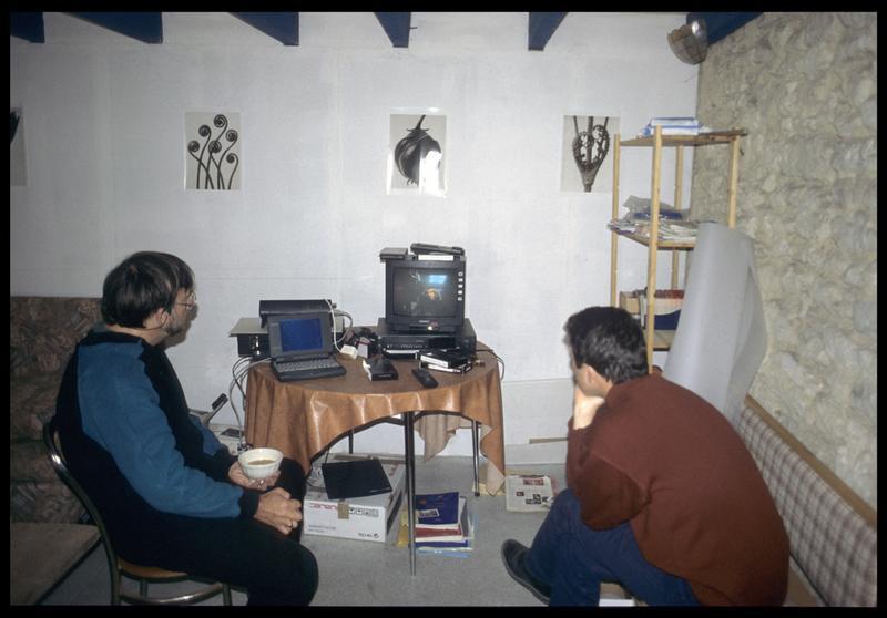 Vue du visionnage des vidéos de la fouille (fouille E. Rieth).