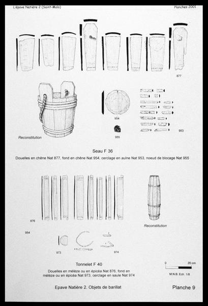 Vue du dessin et de la reconstitution d'un seau et d'un tonnelet de bois (fouille M. L'Hour/Drassm, E. Veyrat/Drassm).