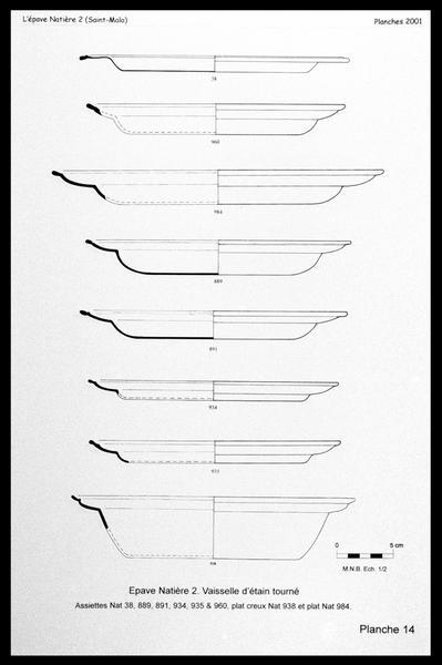 Vue du dessin des assiettes d'étain (fouille M. L'Hour/Drassm, E. Veyrat/Drassm).