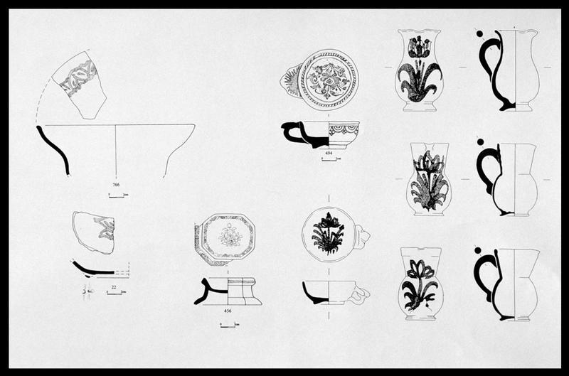 Vue de la planche de dessin des différentes faïences ornées découvertes (fouille M. L'Hour/Drassm, E. Veyrat/Drassm).