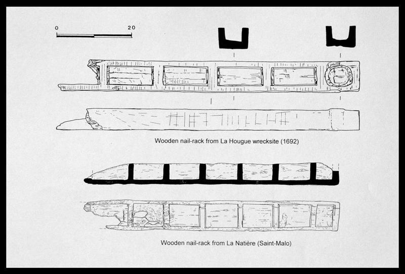 Vue du dessin du casier de bois comparé à celui découvert sur l'épave de Saint Vaast la Hougue (fouille M. L'Hour/Drassm, E. Veyrat/Drassm).