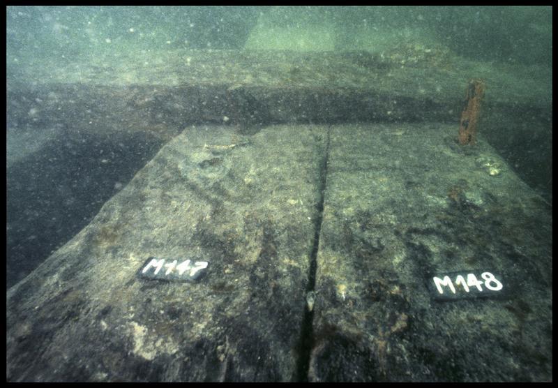 Vue sous-marine de détail des membrures 147 et 148 (fouille M. L'Hour/Drassm, E. Veyrat/Drassm).