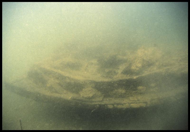 Vue sous-marine de la carène(fouille M. L'Hour/Drassm, E. Veyrat/Drassm).