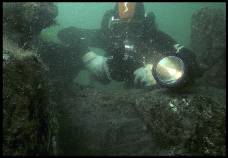 Vue sous-marine du photographe(fouille M. L'Hour/Drassm, E. Veyrat/Drassm).
