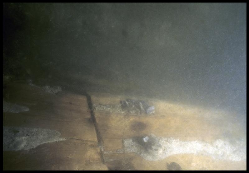 Vue sous-marine de détail de la carène(fouille M. L'Hour/Drassm, E. Veyrat/Drassm).