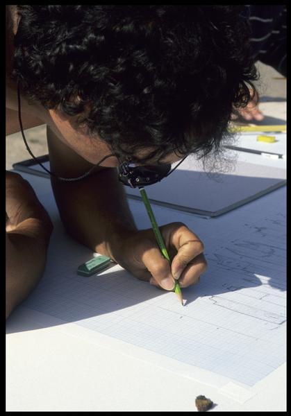 Vue du travail du dessinateur (fouille M. L'Hour/Drassm, E. Veyrat/Drassm).