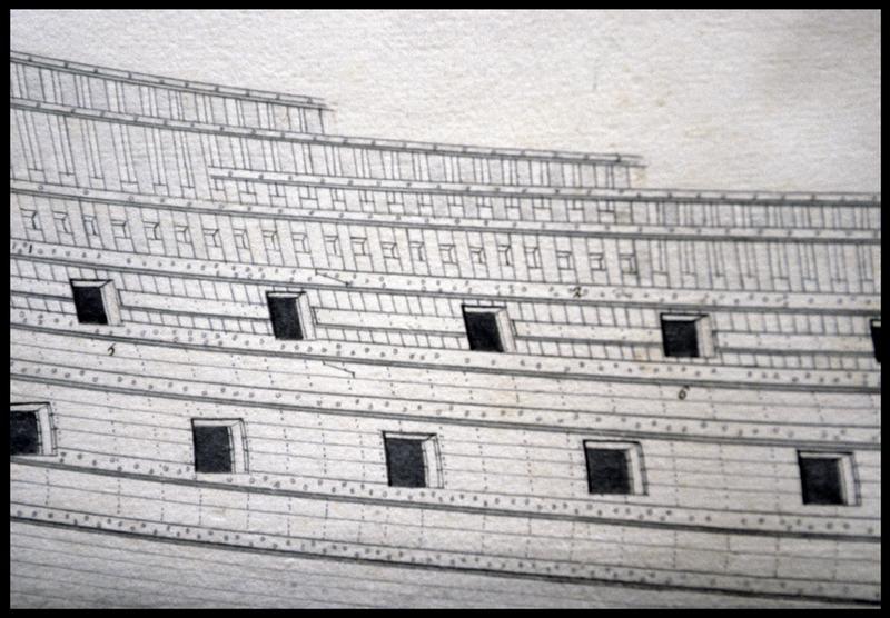 Vue de détail du dessin du flanc d'un navire de l'Album Colbert.