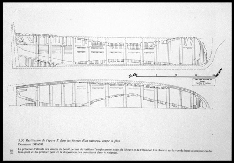 Vue du dessin de la restitution de la carène (fouille M. L'Hour/Drassm, E. Veyrat/Drassm).