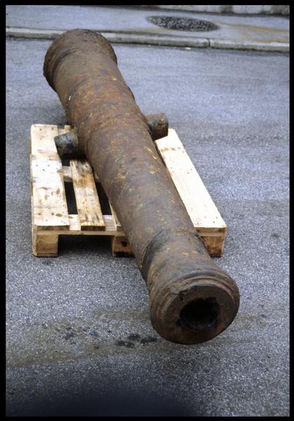 Vue d'un canon (fouille M. L'Hour/Drassm, E. Veyrat/Drassm).