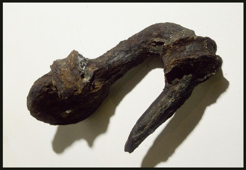 Vue d'un crochet de fer (fouille M. L'Hour/Drassm, E. Veyrat/Drassm).