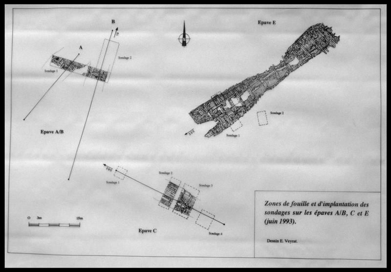 Vue du plan de carène des épaves A/B, C, et E découvertes lors des sondages de 1993 (fouille M. L'Hour/Drassm, E. Veyrat/Drassm).