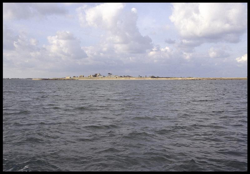 Vue de la côte depuis le site (fouille M. L'Hour/Drassm, E. Veyrat/Drassm).