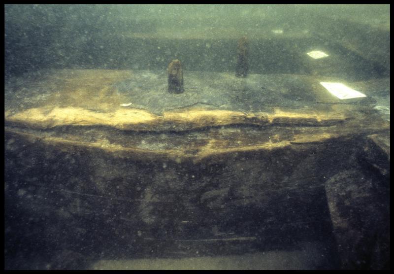 Vue sous-marine de détail de la membrure 91 (fouille M. L'Hour/Drassm, E. Veyrat/Drassm).