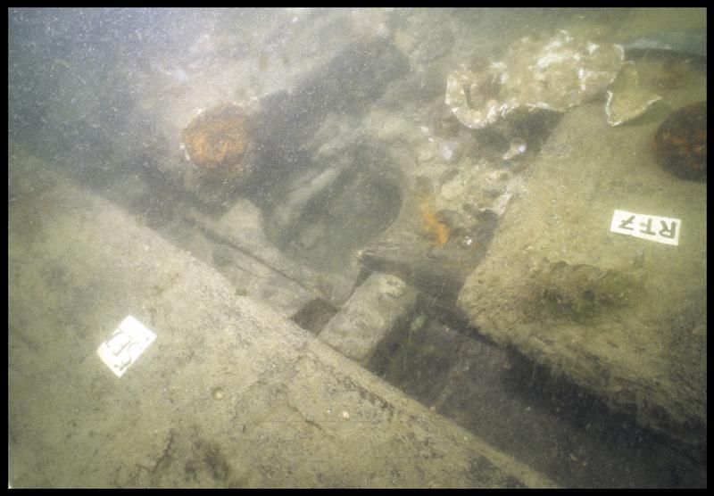 Vue sous-marine de détail de la carène au niveau de la serre 2(fouille M. L'Hour/Drassm, E. Veyrat/Drassm).