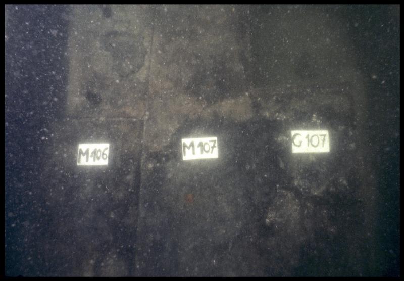 Vue sous-marine de détail des membrures 106 et 107 (fouille M. L'Hour/Drassm, E. Veyrat/Drassm).