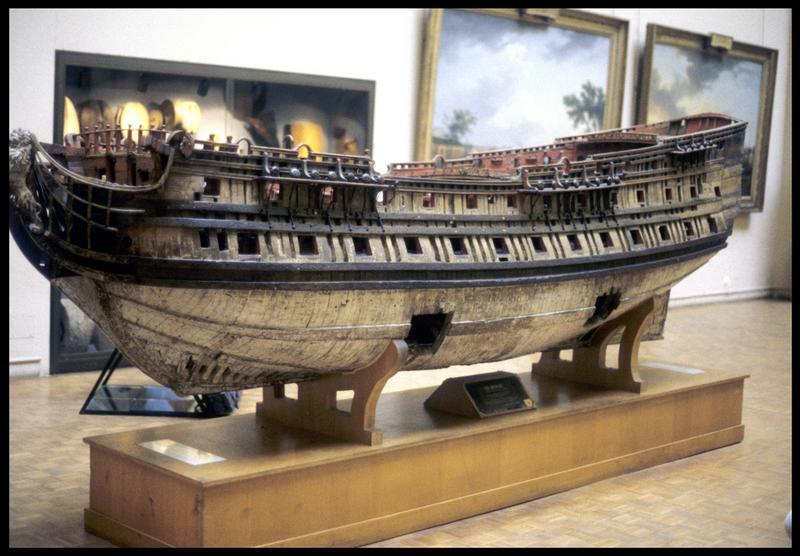 Vue de la maquette du Royal du Musée de la Marine (Paris) (fouille M. L'Hour/Drassm, E. Veyrat/Drassm).