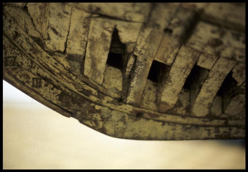 Vue de détail de la maquette du Royal du Musée de la marine (Paris) (fouille M. L'Hour/Drassm, E. Veyrat/Drassm).