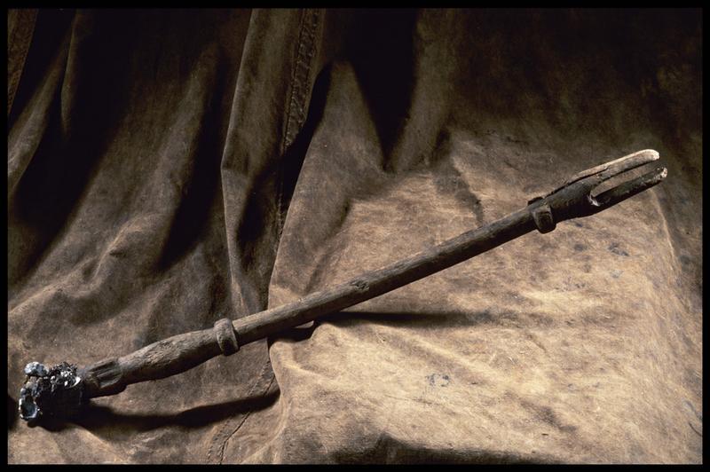Vue d'un élément de bois (fouille M. L'Hour/Drassm, E. Veyrat/Drassm).