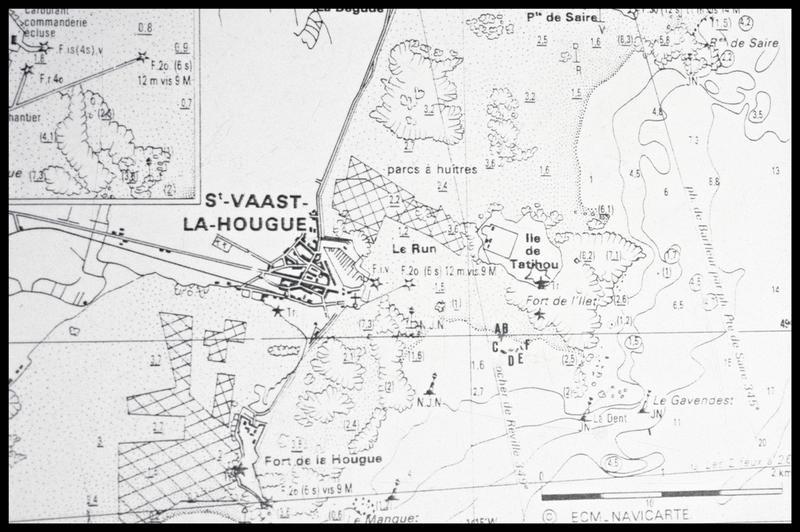 Vue de la localisation des épaves sur une carte (fouille M. L'Hour/Drassm, E. Veyrat/Drassm).