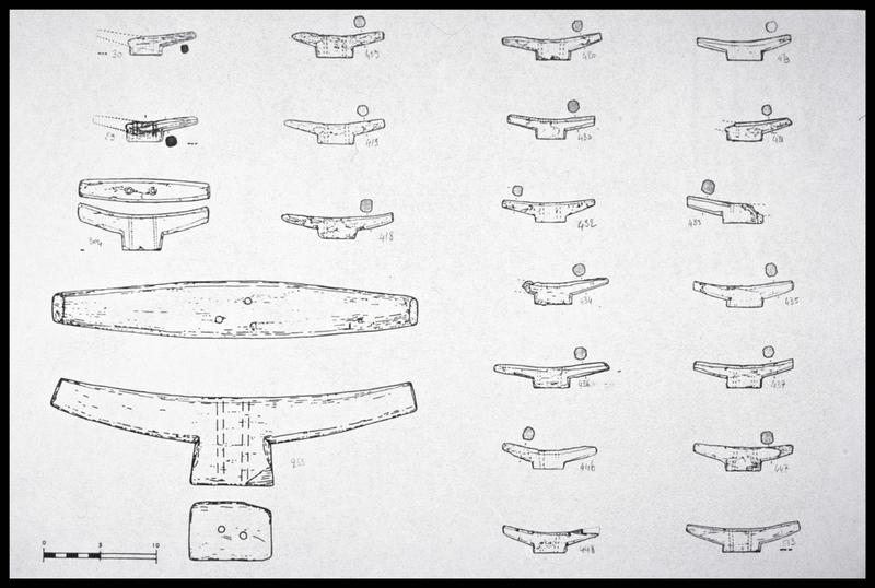 Vue du dessin de vingt et un taquets de bois de taille différente (fouille M. L'Hour/Drassm, E. Veyrat/Drassm).